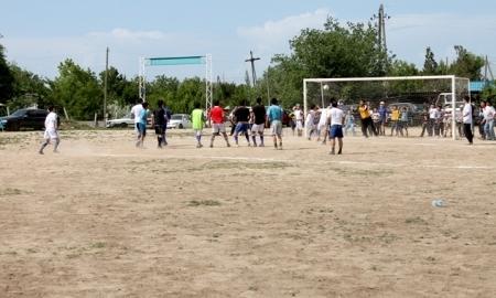 В ауле Касымбек Датка прошел ежегодный турнир по футболу