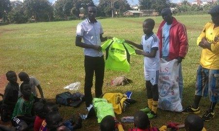 Футболист «Ордабасы» открыл академию в Уганде