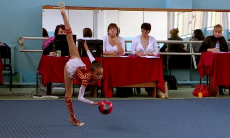 Стали известны победители чемпионата ЮКО по художественной гимнастике