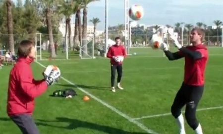 Как тренировать вратаря по футболу в домашних условиях видео