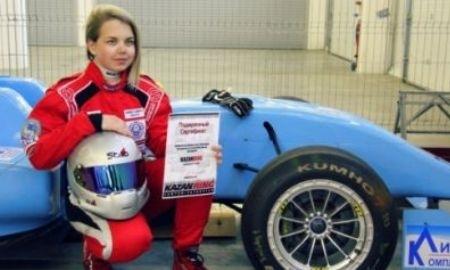 Любовь Андреева: «Блондинка за рулем — это не преступник»
