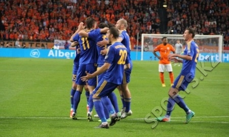 Статистика матча отбора ЕВРО-2016 Нидерланды — Казахстан 3:1