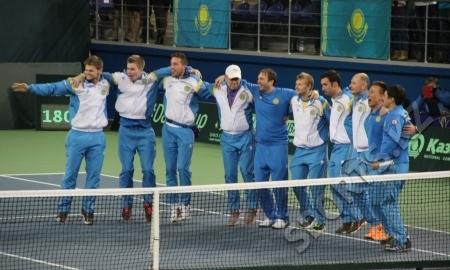 <strong>Александр Недовесов переиграл Фабио Фоньини, а Казахстан — Италию в матче Кубка Дэвиса</strong>