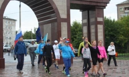 Петропавловск встретил участников факельной эстафеты «Бег мира»