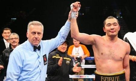 Мэйвезер поздравил Шуменова с титулом WBA