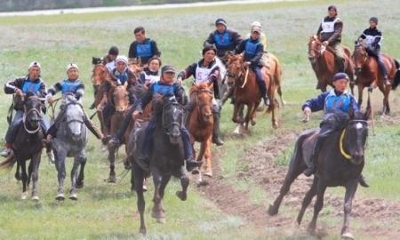 10 лучших скакунов от каждого региона Казахстана примут участие в турнире по аламан байге