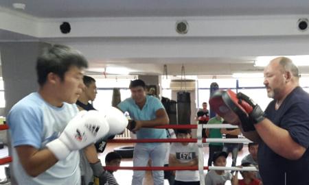Казахстанские боксеры-профессионалы поделились опытом с юными спортсменами в Алматы - Бокс/ММА - Sports.kz