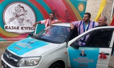 Грузинский борец стал победителем престижного турнира по казак куреси в Кызылорде