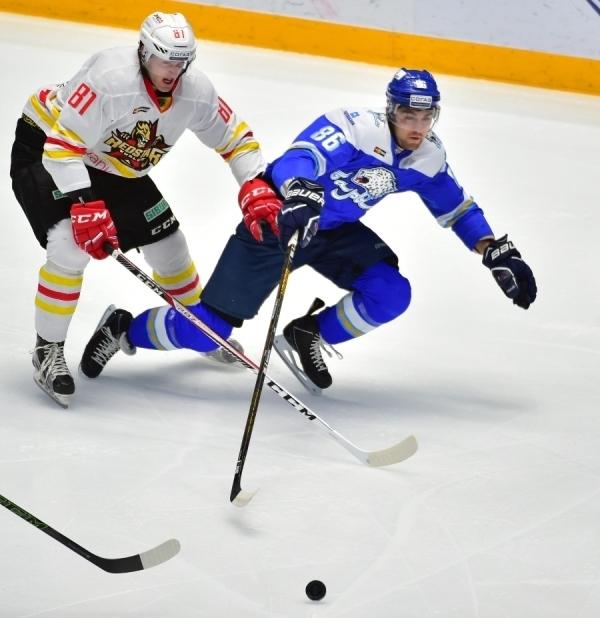 «Барыс» на собственном льду уверенно обыграл «Куньлунь»