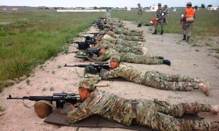 В Вооруженных Силах РК отбирают лучших снайперов для «АрМИ-2017»
