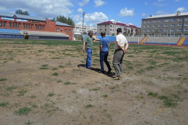 Инспекция в деле — 8. Комиссия ПФЛК по допуску полей проинспектировала стадионы в Кокшетау и Щучинске