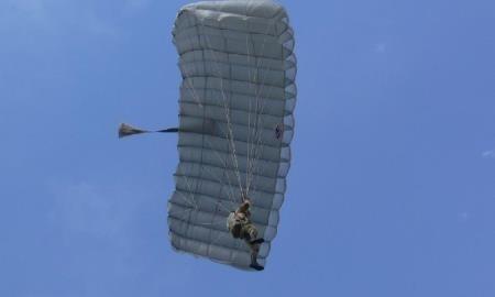 В Вооруженных силах Казахстана проходит чемпионат по парашютному многоборью
