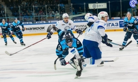 Защитники «Барыса» и«Сибири» подрались вНовосибирске