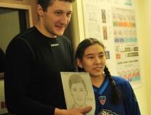 Болельщица «Барыса» нарисовала портреты игроков