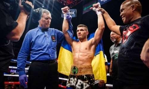 Американский боксер отказался выходить на 7-мой раунд против Деревянченко