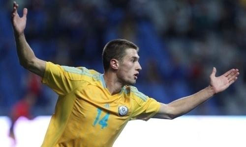 Сборная Казахстана уверенно выигрывает уАзербайджана после первого тайма
