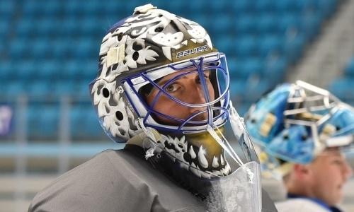 Вратарь «Барыса» представил дизайн нового шлема