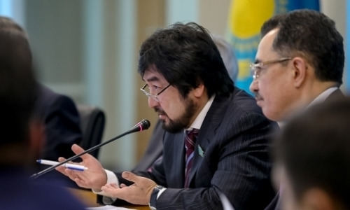 «Зачем делать из этого трагедию?» Депутат Мажилиса РК вступился за казахстанских кокпариcтов