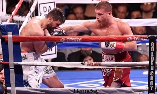 Видео четырех нокдаунов, или Как «карлик» «Канело» избивал гиганта Филдинга после боя с Головкиным