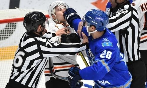 Видео момента матча КХЛ, в котором хоккеист «Барыса» ткнул соперника прямой в нос