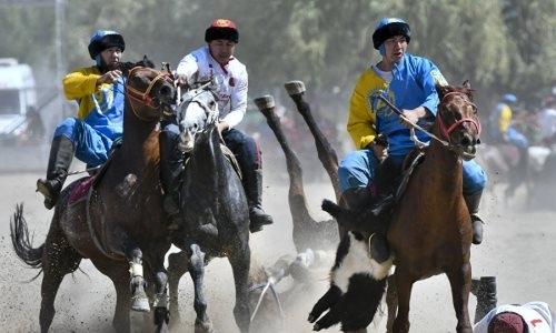 Глава федерации кок-бору Кыргызстана не признал предложенные Казахстаном правила и покинул пост