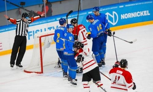 Cостав студенческой сборной Казахстана по хоккею на матч за «бронзу» против Канады