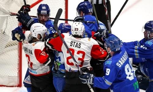 Видео массовой драки хоккеистов «Барыса» и «Авангарда» в третьем матче плей-офф КХЛ