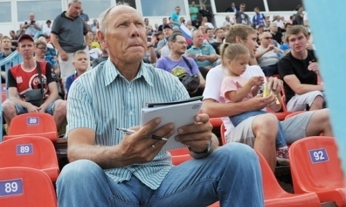 Казахстанский тренер расторг контракт с российским клубом