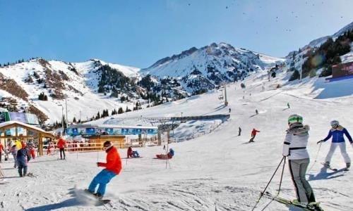 Два иностранных сноубордиста потерялись в горах Алматы