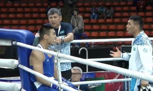 Видео боя, в котором чемпион Казахстана с нокаутом вышел в четвертьфинал ЧА-2019