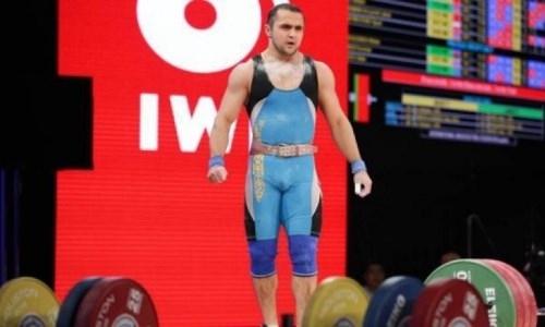 Олимпийский чемпион из Казахстана решил сняться с ЧА-2019 по тяжелой атлетике