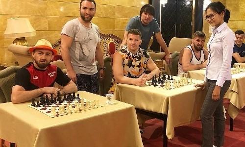 Талантливая казахстанская шахматистка сыграла с Нурмагомедовым