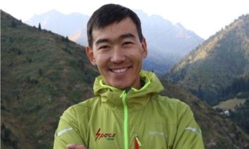 Казахстанский альпинист стал первым в скоростном восхождении на Эльбрус