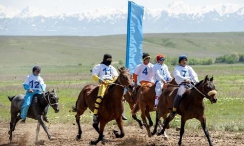 Конно-спортивные соревнования прошли в рамках празднования Дня Победы в Талдыкоргане