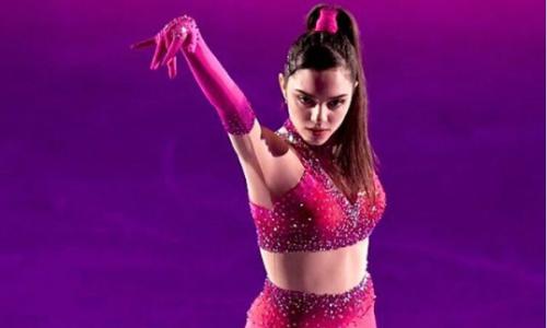 Главная конкурентка Турсынбаевой из России сменила костюм для шоу Fantasy on Ice