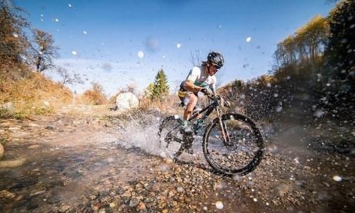 Казахстанец завоевал «золото» первого этапа Asia Mountain Bike series