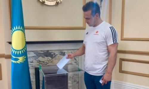 Ильин проголосовал на выборах Президента РК в Лондоне