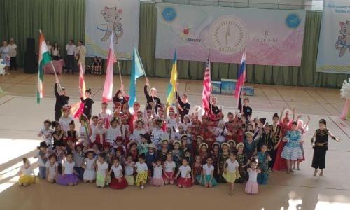 В Алматы завершились соревнования по художественной гимнастике с участием 31 команды из 7 стран мира