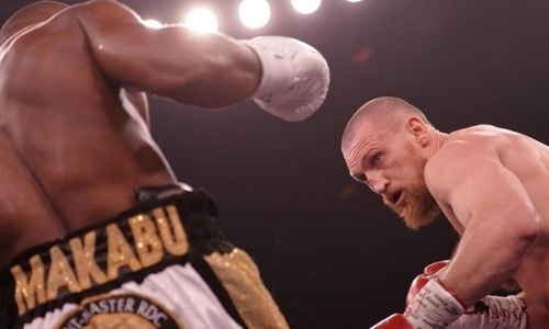 «Русский молот» на родине проиграл африканцу бой за титул WBC. Видео нокаута одним ударом в весе Шуменова
