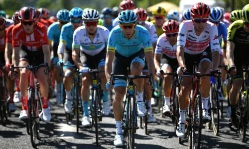 «Совершенно неожиданно». Гонщик «Астаны» рассказал о падении на четвертом этапе «Тур де Франс»