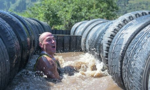 Лицом в грязь: алматинцы прошли жесткие испытания на выносливость