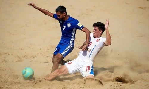 Сборная Казахстана по пляжному футболу потерпела поражение в матче Евролиги