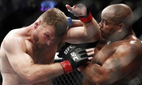 Видео полного боя Кормье — Миочич с неожиданным нокаутом лучшего бойца UFC