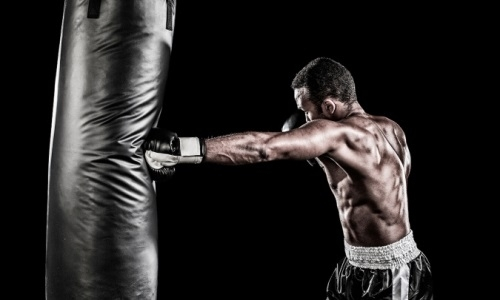 Алматинский Арбат стал ареной для тренировки звезд бокса