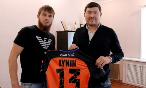 «Шахтер» объявил о подписании футболиста сборной Казахстана
