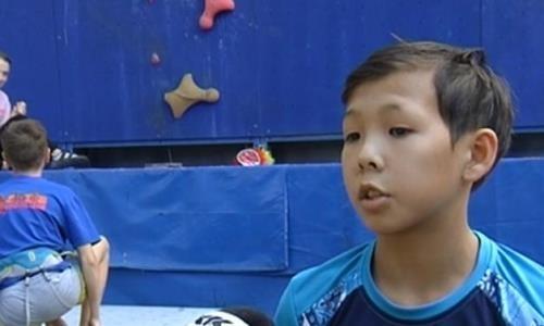 Юный алматинец стал победителем и рекордсменом на чемпионате Азии по скалолазанию