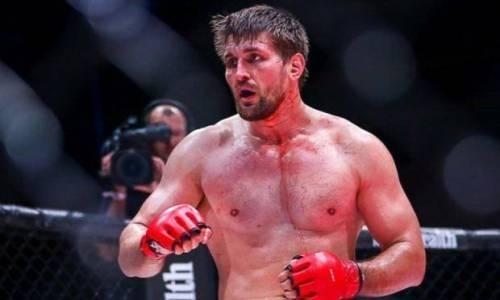 Российский файтер за 105 секунд брутально нокаутировал бывшего бойца UFC. Видео
