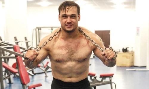 Илья Ильин для улучшения формы начал вызывать духов на тренировках. Видео