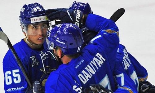 Самат Данияр забросил первую шайбу в ВХЛ с шикарной передачи Жайлауова. Видео