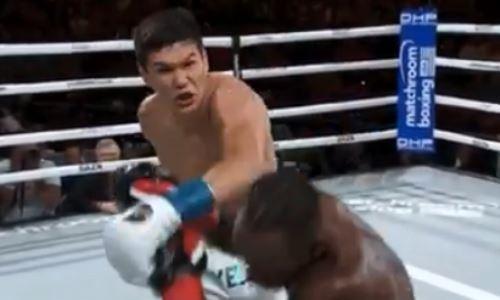 Фото судейских записок победного боя Данияра Елеусинова с нокаутом и нокдауном
